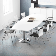 Sestava Flexus + Whistler, 1 stůl a 8 šedých židlí