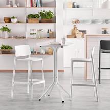 Sestava Various + Rio, 1 stůl a 2 bílé barové židle