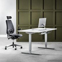 Kancelářská sestava: výškově nastavitelný stůl Flexus + kancelářská židle Watford