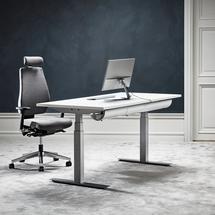 Sestava: výškově nastavitelný stůl Modulus + kancelářská židle Watford