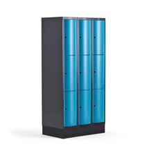 Šatní skříňka Curve, 3 sekce, 9 boxů, 1890x900x550 mm, sokl, modré dveře
