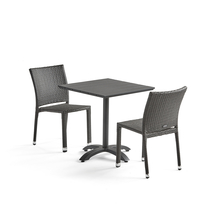 Sestava: zahradní stůl 700x700 mm, černý + 2 ratanové židle bez područek, černé