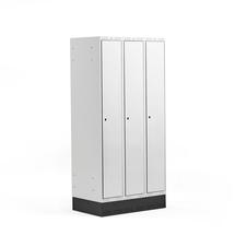 Šatní skříňka Classic, se soklem, 3 sekce, 1890x900x550mm, šedé dveře